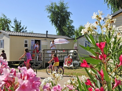 Homair Mobile home Villa (L), camp site Camping Le Vieux Port in Aquitaine - picture 1
