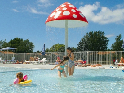 Camping holiday France, Vendée - Campingsite Camping Les Ilates - mobile homes and tents - picture 1