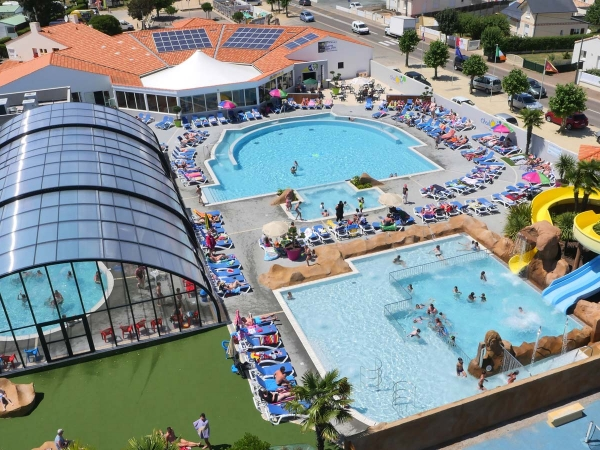 L 39 oceano d 39 or vende france book your family holiday here for Camping argeles sur mer avec piscine