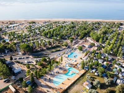 Camping holiday France, Languedoc - Campingsite Camping Le Mediterranee Plage - mobile homes and tents - picture 1