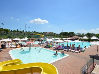 Camping holiday Italy, Lake Garda - Campingsite Camping Park Delle Rose - mobile homes and tents - picture 1
