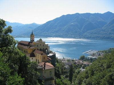 Camping Italy - camp sites in Lake Maggiore - camping holiday in mobile homes and  tents