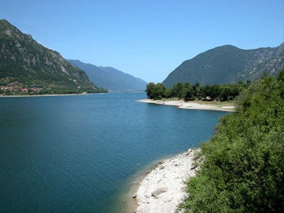 Camping Italy - camp sites in Lake Idro - camping holiday in mobile homes and  tents